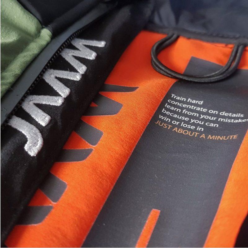 giacca-piuma-cordura-verde-dettaglio-formentera-jaam-4